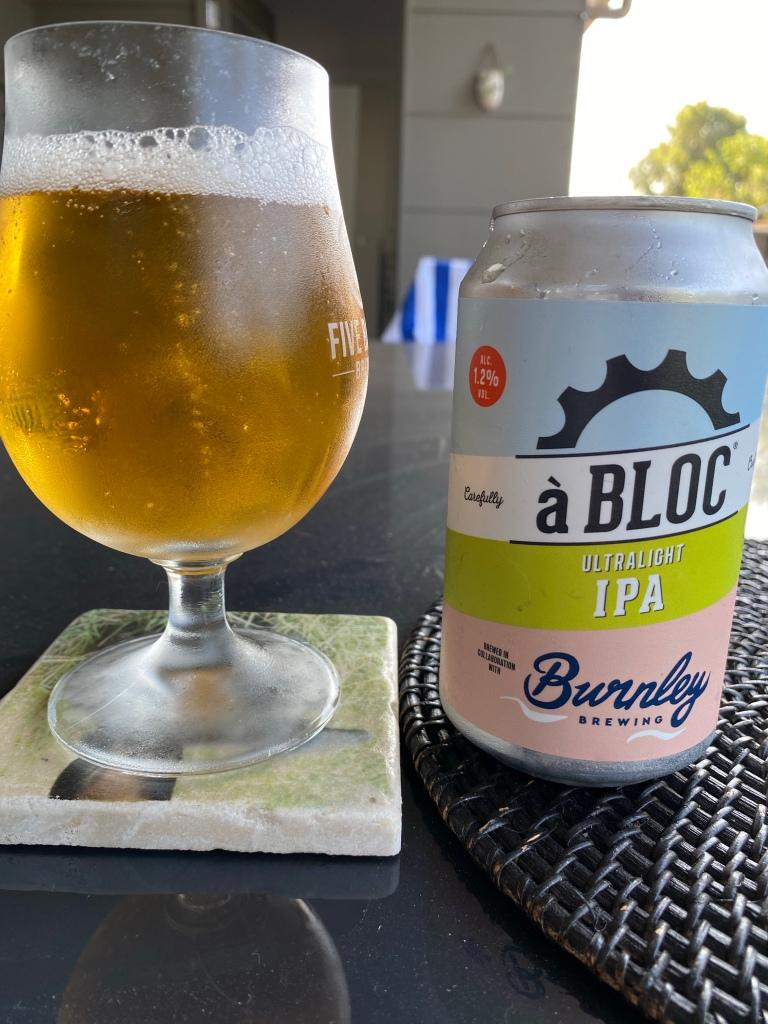 À Bloc & Burnley Brewing - Ultralight IPA